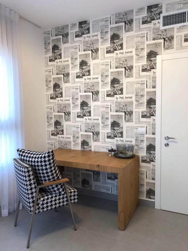 טפט עיתונים שחור לבן להשלמת העיצוב