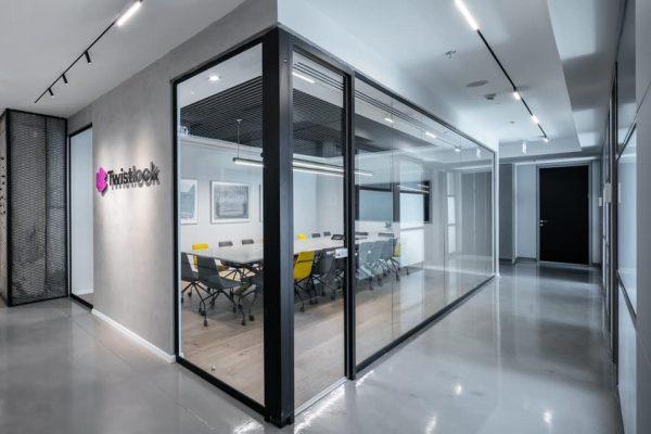 LUNA - מערכת תאורה מגנטית למשרד
