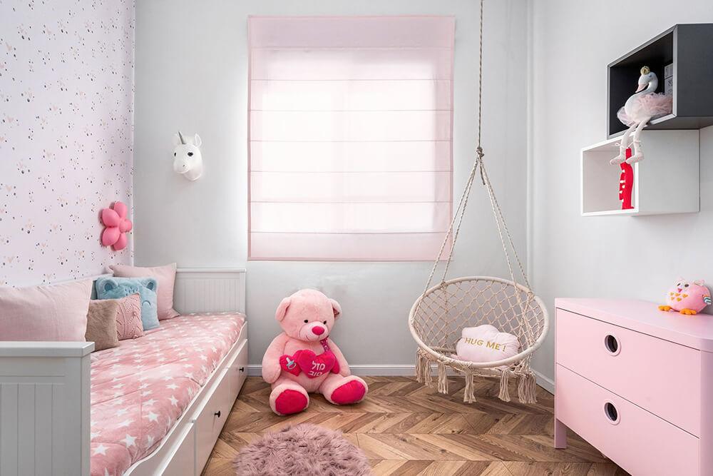 חדר שינה לילדה מעוצב ב פרויקט בית בקיבוץ