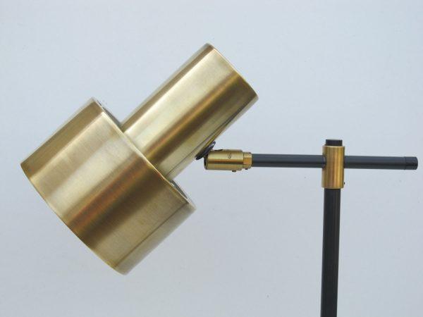 מנורת שולחן צבע זהב