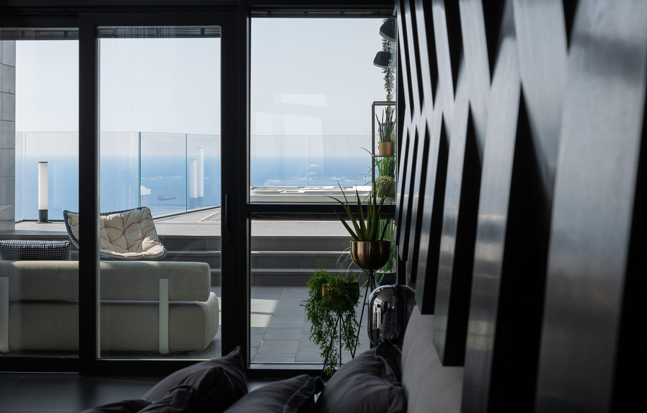עיצוב שחור מודרני מבית סיטי לייט תאורה