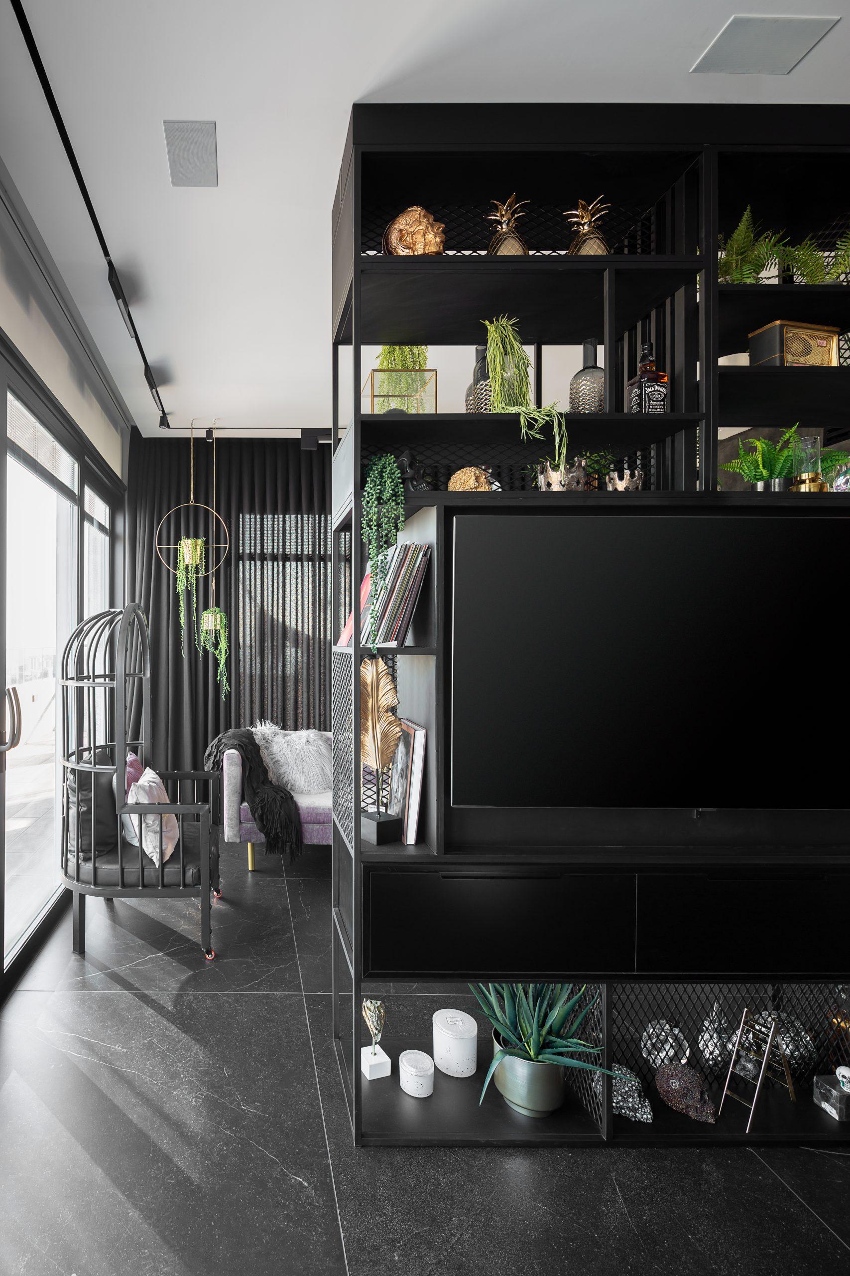 עיצוב מודרני בצבע שחור