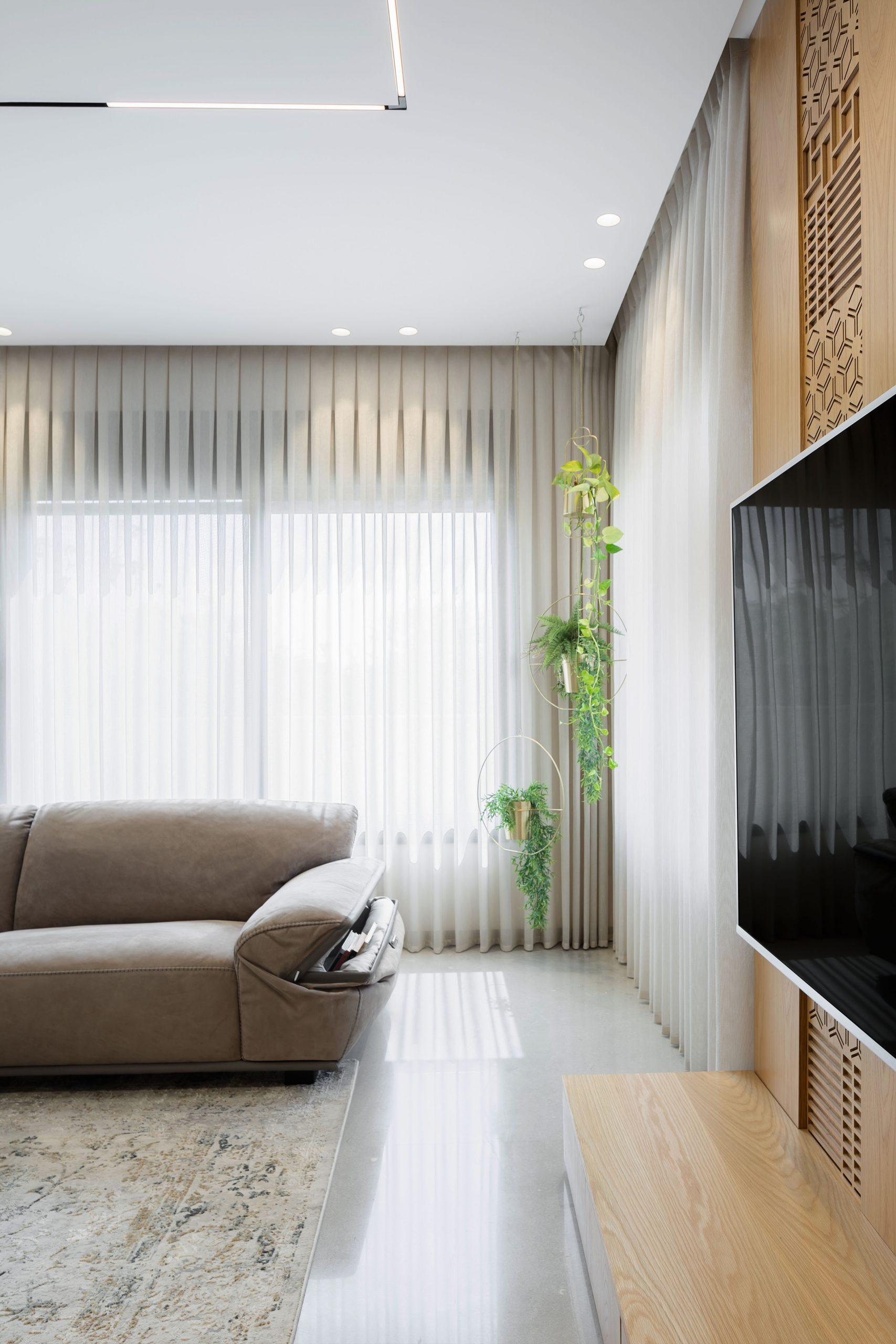 ספה מעוצבת עם מקום אכסון