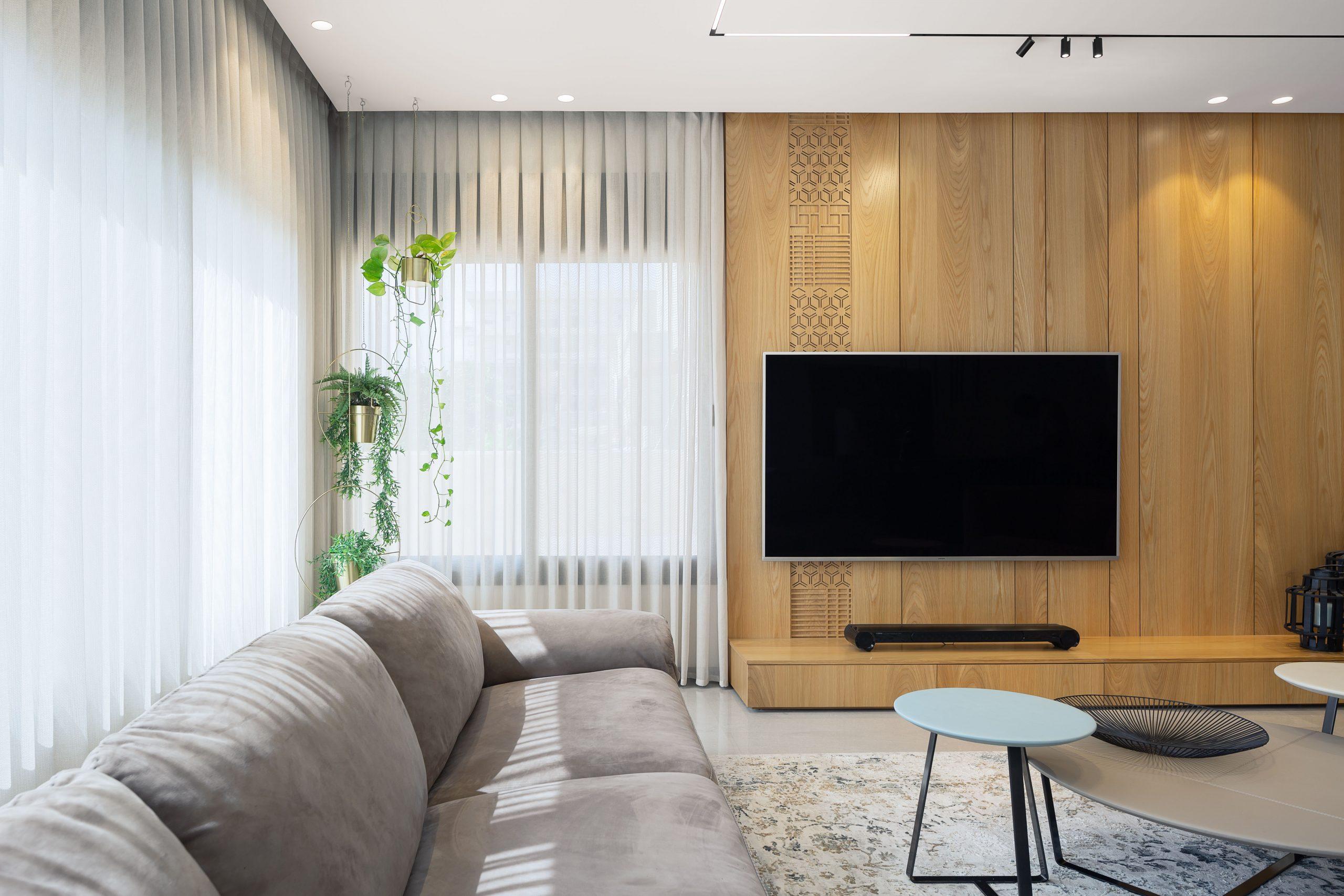 סלון בעיצוב אדריכלי עם תאורה מקצועית